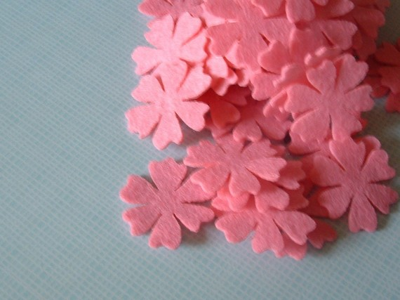 F101a ---10 Felt flowers in one color